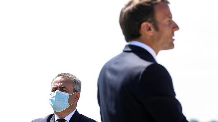 Emmanuel Macron et Xavier Bertrand, le 17 mai 2020.