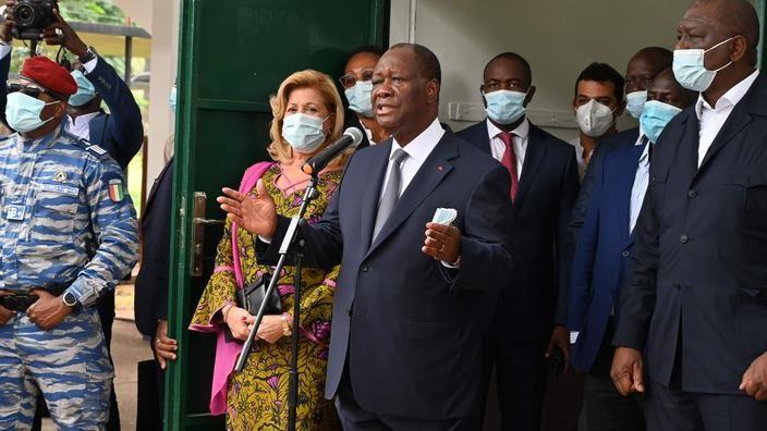 Le président fraîchement réélu Alassane Ouattara.