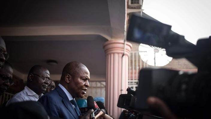 Le président Touadéra a été proclamé réélu ce lundi par la Cour constitutionnelle dans un contexte de guerre civile donnant lieu à de nombreuses offensives rebelles.